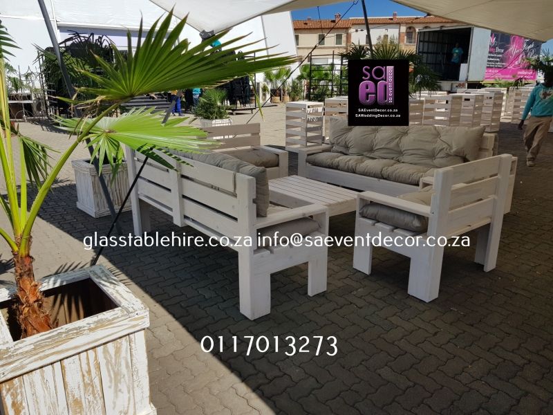 White Washed Lounge Cocktail Furniture